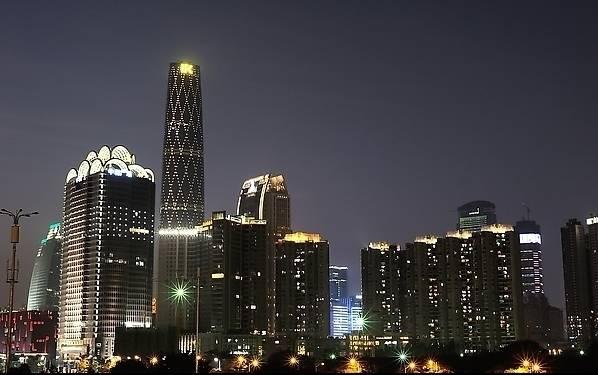 珠江新城高楼顶?超惊险!